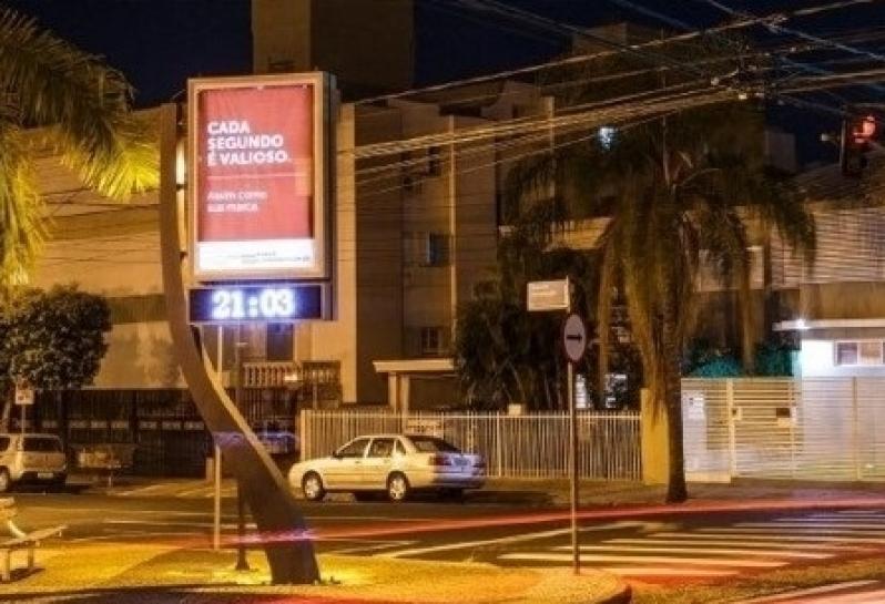 Locar Relógio de Rua com Propaganda Barueri - Relógio Rua Digital Av Juracy Salvador