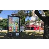 fazer anúncio no mobiliário urbano totem de anúncio Itapeva