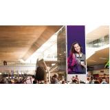 painel de led grande aeroporto internacional de curitiba pr