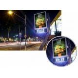 relógio de rua para anúncio na avenida acm salvador