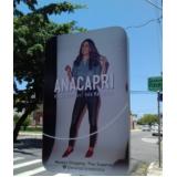 totem de rua com propaganda valores Cubatão